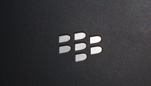 blackberry passport back logo